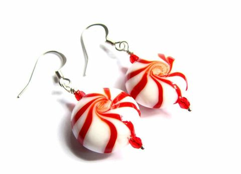 Candy,Cane,Swirl,Earrings,,Holiday,Jewelry,swirl candy earrings, Christmas earrings, holiday earrings, candy cane earrings, peppermint earrings, peppermint swirl bead, candy cane jewelry, red and white earrings,