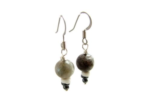 Natural,Grey,Labradorite,Drop,Earrings,natural labradorite earrings, drop earrings small dangle earrings. stone beaded earrings, grey earrings, gray bead jewelry, labradorite shell and hematite beads,