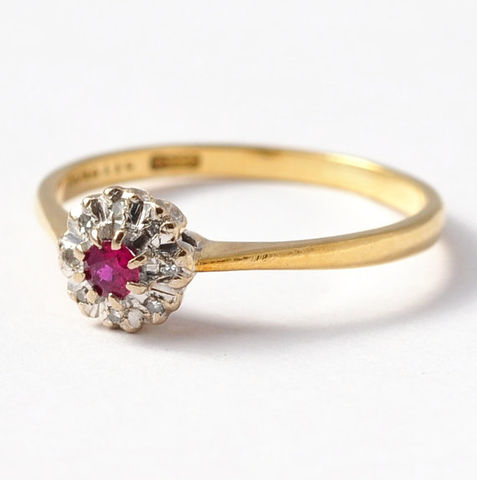 Ruby,and,Diamond,Halo,Ring:,Vintage,,18K,Yellow,Gold,,Size,7.25/7.5,Art Deco Natural Genuine Round Ruby and Diamond Halo Cluster 18K Yellow Gold Alternative Unique Engagement Rings Gifts for Women Her