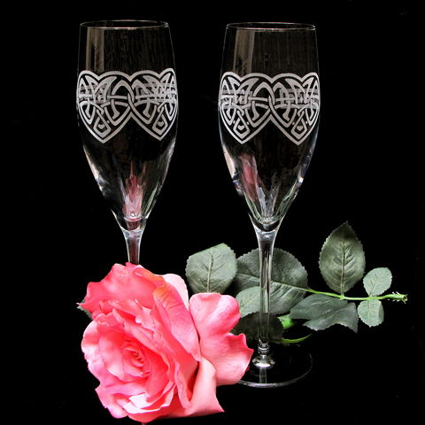 Personalized,Celtic,Knot,Champagne,Flutes,,Irish,Wedding,Glasses,Celtic Knot champagne flutes,personalized, irish wedding glasses, toasting flutes, champagne glasses