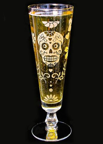 Dia,De,Muertos,Pilsner,Flute,,Sugar,Skull,Decor,,Etched,Glass,Beer,sugar skull, pilsner flutes, beer flutes, fluted pilsner, day of the dead wedding, dia de los muertos wedding, beer glass, personalized wedding glass, skull wedding