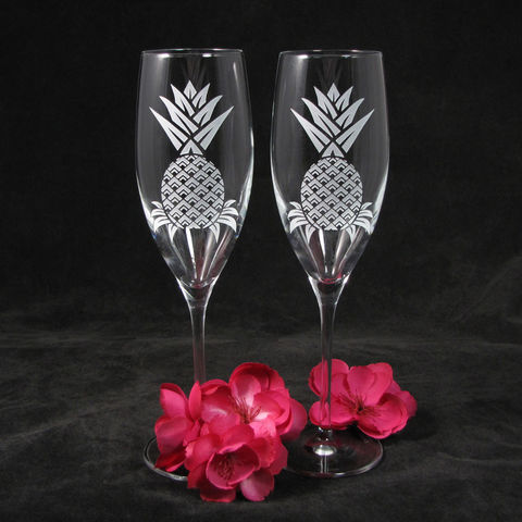 Personalized,Pineapple,Champagne,Glasses,,Hawaiian,Wedding,Gifts,for,Couple,,Toasting,Flutes,Bride,and,Groom,Pineapple Champagne Glasses, Hawaiian Wedding Gifts for Couple, Toasting Flutes for Bride and Groom wedding glasses, toasting flutes, champagne glasses