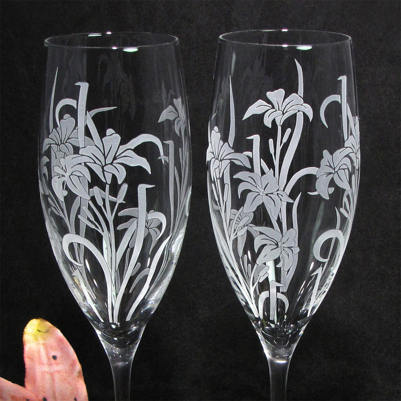 2 Personalized Champagne Flutes, Stargazer Lily Wedding Gift for Bride and Groom - product image