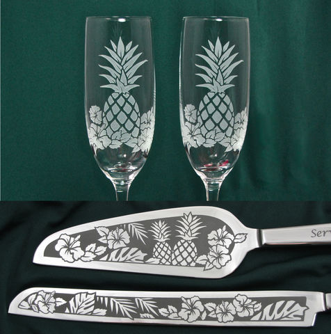 Pineapple,Wedding,Cake,Server,Set,and,Champagne,Flutes,,in,Hawaii,,Decor,wedding knife and flute set, Personalized, Wedding Cake Server,  Champagne Flutes, pineapple, beach, hawaii, hawaiian, tropical, tropics