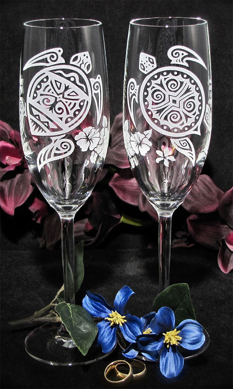 2 Personalized Sea Turtle Champagne Flutes, Destination Wedding Gift for Bride and Groom - product images  of