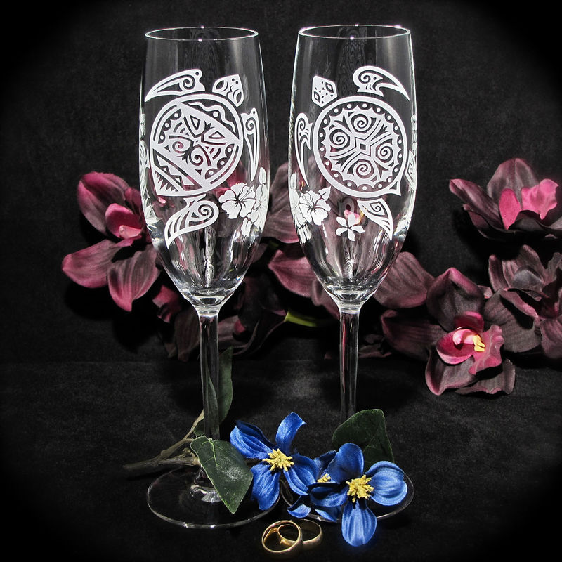 2 Personalized Sea Turtle Champagne Flutes, Destination Wedding Gift for Bride and Groom - product image