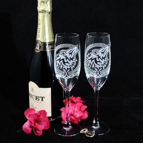 Celtic,Wolf,Champagne,Glasses,,Viking,or,Nordic,Wedding,Flutes,Celtic Welsh Wolf Fenrir, viking nordic champagne flutes, toast glasses, wedding flutes, toasting flutes