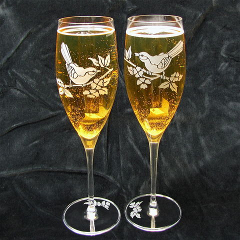 2,Wedding,Champagne,Flutes,with,Birds,,Spring,Toasting,Glasses,Bird lover wedding, personalized, Spring wedding, Bespoke Wedding Champagne Flutes with  Birds Toasting Glasses