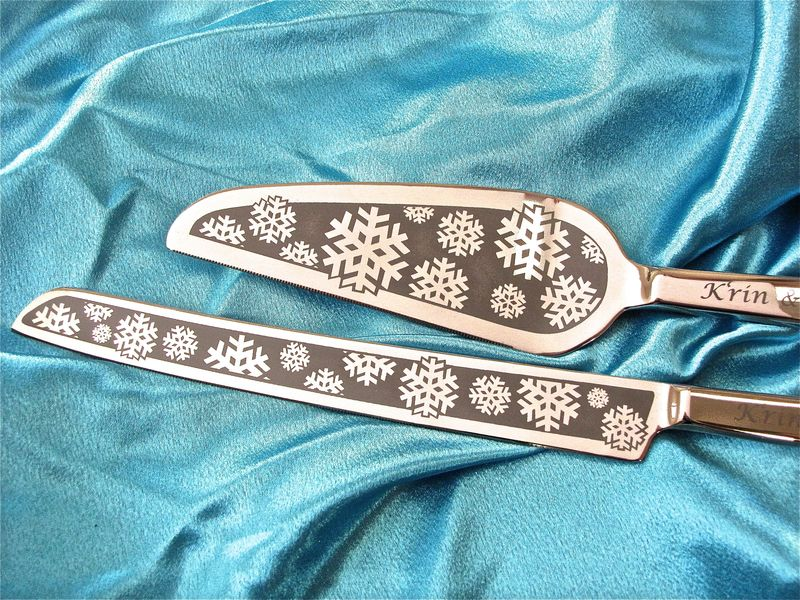 Personalized Snowflake Wedding Cake Server and Knife Set, Winter Wedding - product image