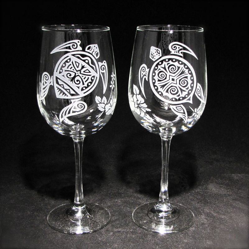 2 Sea Turtle Wine Glasses, Personalized Tropical Beach Wedding Gift - product image