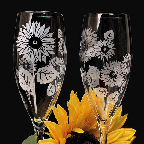 Personalized,Sunflower,Champagne,Flutes,in,Fine,Crystal,Sunflower wedding, rustic wedding, sunflower wedding decor, sunflower decorations, Weddings,crystal,etched,personalized,engraved,toasting_flutes,champagne_flutes,champagne_glasses,sunflower_flutes,sunflowers,engraved_wedding,personaiized_wedding,sunflower