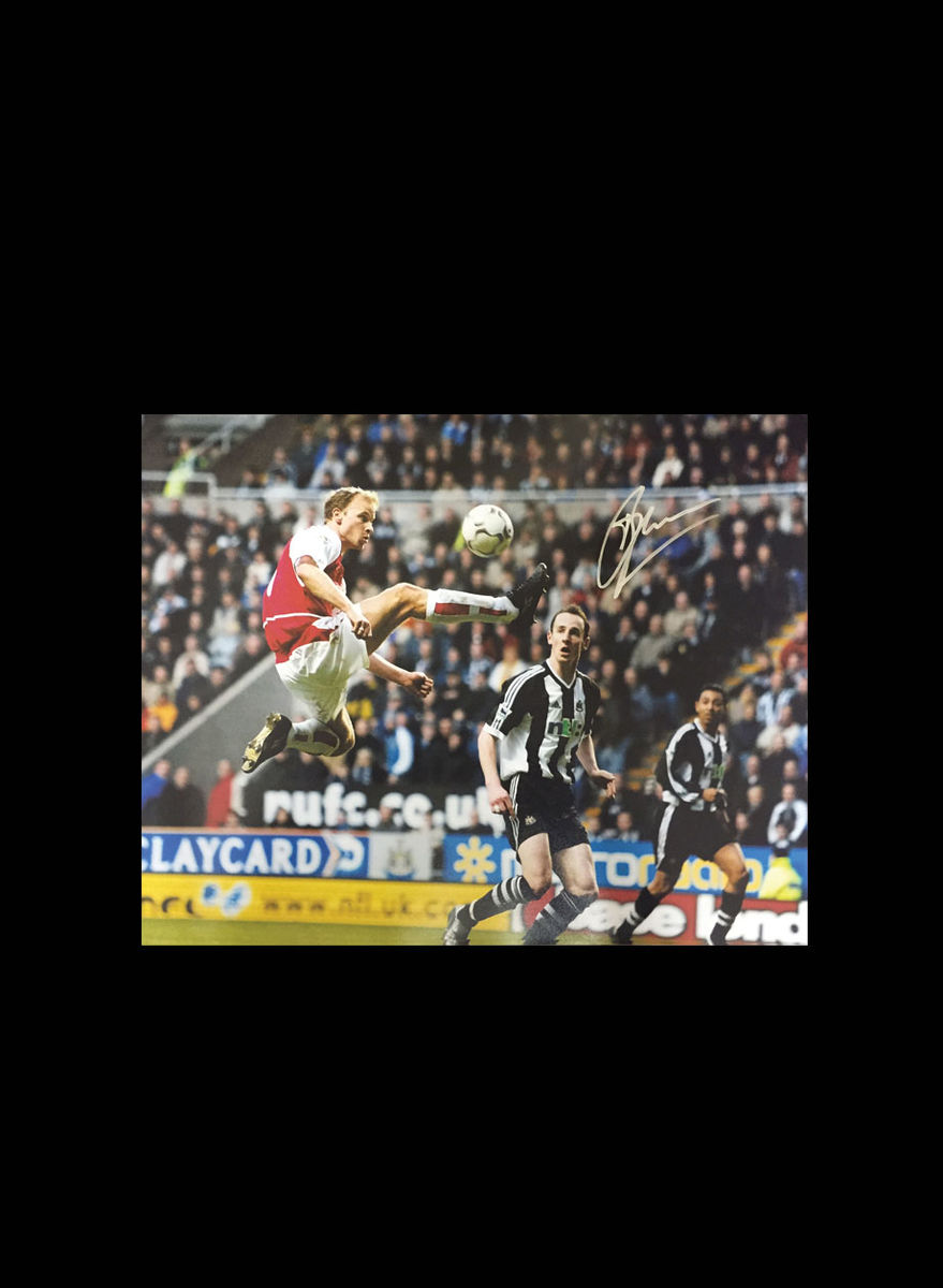 Bergkamp signed Vs Newcastle - product image