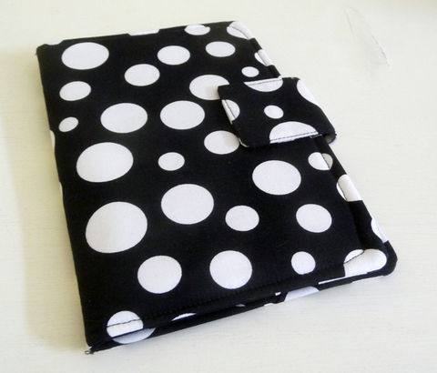 Black,and,White,Polka,Dot,Kobo,Cover,kobo ereader cover, handmade cover to fit original kobo, black and white polka dot ereader cover, kobo case