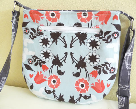 Pale,Blue,Floral,Tote,Bag,,Small,Crossbody,Purse,tote bag, small tote, purse tote, small crossbody bag, modern floral tote, pale blue tote bag, small crossbody tote bag, blue crossbody bag, light blue, shoulder tote bag, adjustable strap