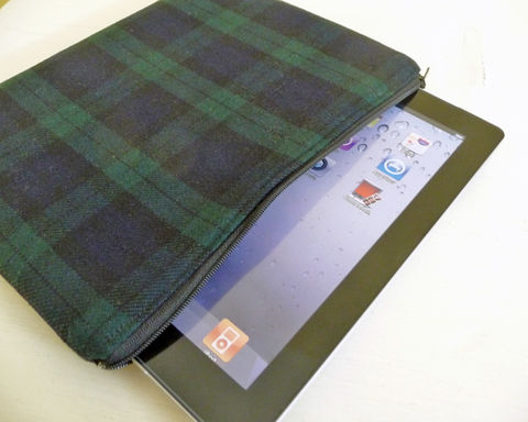 Black,Watch,Tartan,Wool,iPad,2,Sleeve,,Foam,Padded,mens ipad sleeve, wool ipad 2 sleeve, black watch tartan ipad 2 sleeve, black watch tartan ipad case, tartan wool ipad 2 sleeve, dark plaid ipad case
