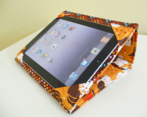 Orange,and,Brown,Floral,Standing,iPad,Case,handmade ipad case, standing ipad 2 case, standing ipad 2 cover, floral ipad 2 case, handmade ipad cover, floral ipad 2 cover