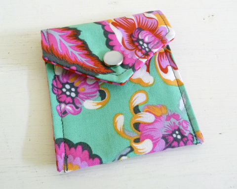 Bright,Floral,Cotton,Print,Coin,Purse,Snap,floral coin purse, rain girl designs, brigh floral change purse, handmade snap change purse, coin purse, handmade coin purse, snap coin purse, coin pouch, handmade vegan coin purse, handmade cotton fabric change purse