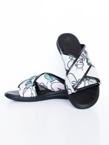 IN,STOCK,-,NIBBANA,SLIP,ON,(BLACK,/,CREAM)