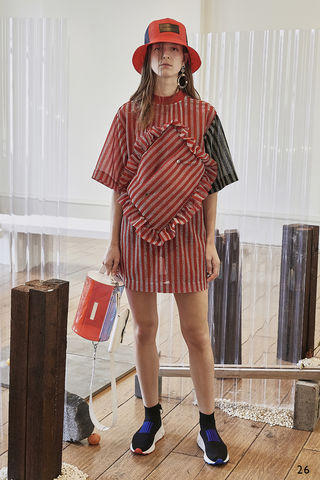 MOMO,PILLOW,OVER,SIZE,T, OVER, SIZE, TEE, METALLIC, RED, PILLOW, BAG, SS19, JWH, SPRING, SUMMER, 2019