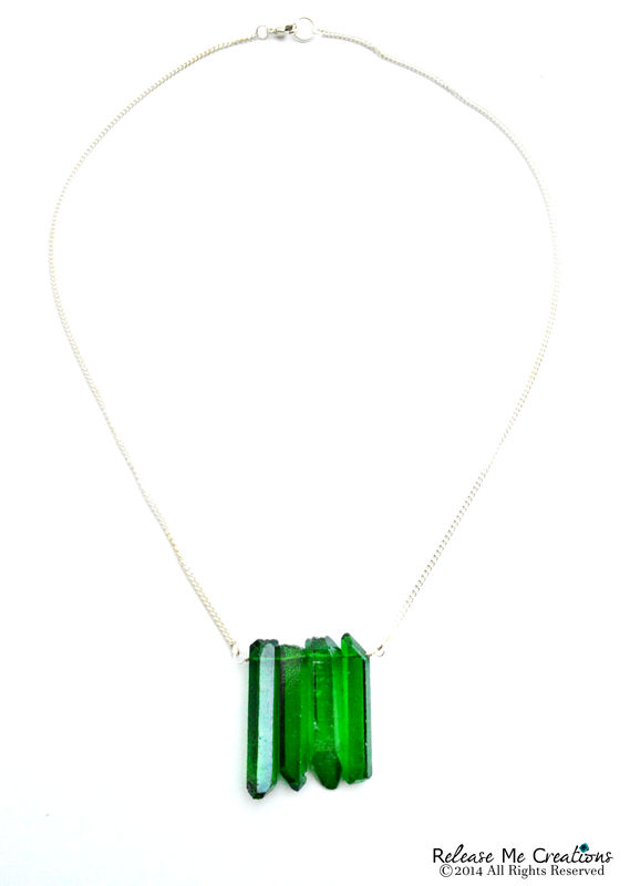 Emerald Quartz Wall Necklace - product image