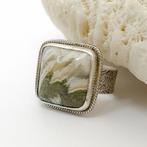 Linda,Marie,Plume,Agate,Ring,Size,7,1/4,Wide,Leaf,Band,Linda Marie Plume Agate Ring, size 7 silversmith, hand stamped, wide band, artisan leaf , Sterling silver, green statement ring