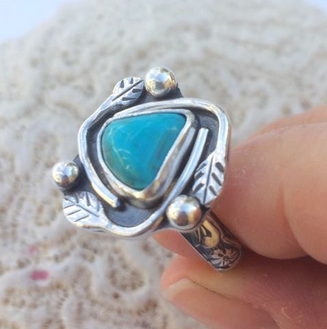Kingman Turquoise Ring Size 7 3/4 Leaf Design Stacking Ring - product images  of