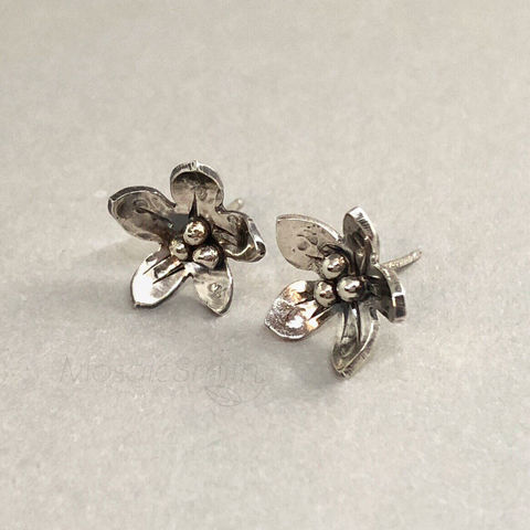 Sterling,Silver,Flower,Studs,Individually,Hand,Fabricated,,Medium,Size,sterling silver flower studs, hand fabricated earrings, organic look jewelry