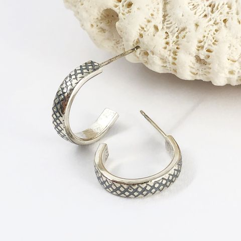 Diamond,Plate,Patterned,Sterling,Silver,Hoops,,Small,small sterling silver hoops, diamond plate pattern earrings, cross hatch pattern hoops