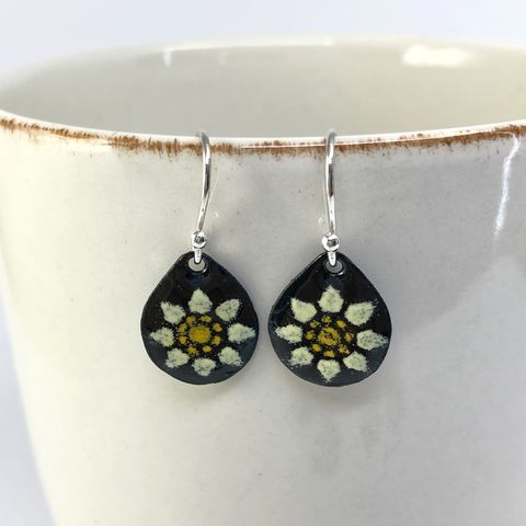 Yellow,Flower,on,Black,Copper,Enamel,with,Sterling,Silver,Ear,Wires,lemon yellow flower earrings, copper enamel flower earrings, kiln fired jewelry, yellow and black floral earrings