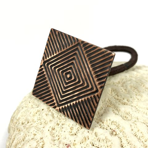 Bright,and,Black,Square,Copper,Ponytail,Holder,Geometric,Design,geometric hair jewelry, solid copper handcrafted accessories, square copper ponytail holder