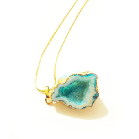 Turquoise,rock,agate,crystal,pendant,necklace