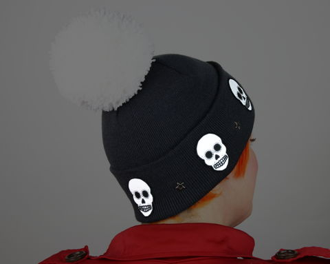 Reflective,Safety,Beanie,Cap,,Skulls,with,Star,Studs,and,or,without,Pom,Reflective hat, safety hat, knit hat