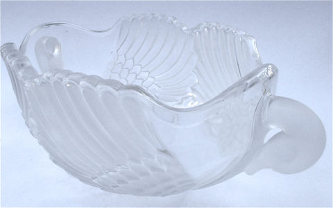 Vintage,Art,Deco,Bowl,Crystal,Swan,Serving,Glass,Walther,Glas,Frosted,Container,vintage art deco swan crystal bowl, art nouveau crystal decorative dish, swan crystal bowl, crystal serving bowl, crystal glass bowl, walther glas crystal swan bowl, frosted glass container, villa collezione, mikasa crystal bowl, shabby cottage chic bowl