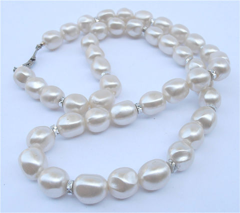 Vintage,Faux,Baroque,White,Pearl,Necklace,Matinee,Length,Single,Strand,Wedding,Bridal,Bride,Mother,of,Faceted,Silver,Tone,12mm,Bead,vintage faux pearl baroque necklace, vintage 12mm pearl beads, vintage matinee length pearl necklace, vintage imitation white baroque pearl chunky bead necklace, single strand pearl necklace, vintage bride white pearl 25 inch necklace  villa collezioneJew