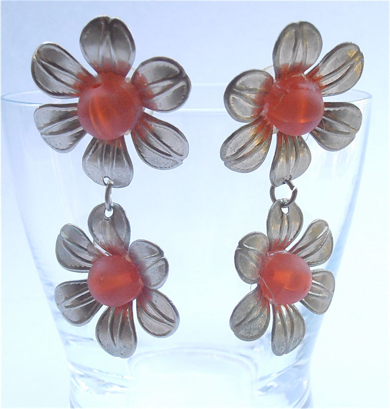 Vintage Orange Earrings Vintage Daisy Earrings Orange Flower Power Earrings Vintage Tangerine Retro Earrings Orange Daisy Dangling Earrings - product images  of