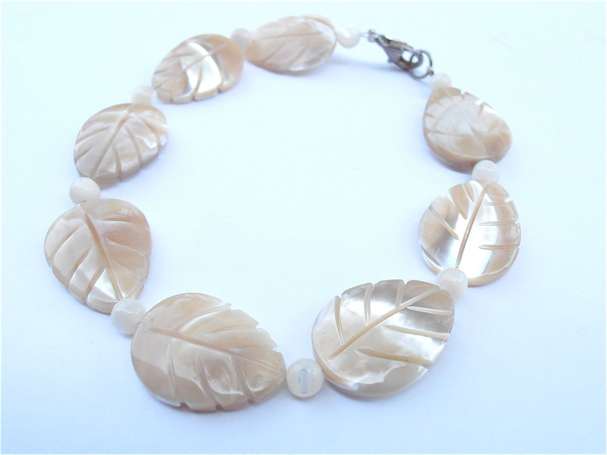 Vintage Carved Mother of Pearl Leaf Bracelet MOP Leaves Champagne Beige Wedding Wrist Jewelry Bracelet Villacollezione Sterling Silver Clasp - product images  of