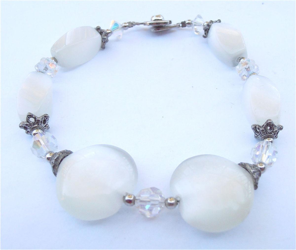 CapsA New Popular Gorgeous White Women Jewelry Bangle Bracelet Shell Wedding Bridal Gifts