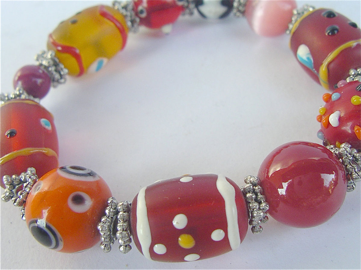 Handmade Red Lampwork Bead Bracelet Multicolored Crystal Stretch Handpainted Bracelet Texture Painted Single Strand Elastic Villa Collezione - product images  of
