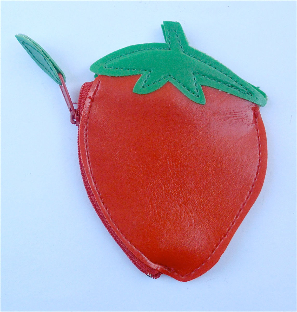 Vintage Strawberry Purse Strawberry Coin Purse Strawberry Shape Purse Fruit Coin Purse Strawberry Wallet Strawberry Purse Kawaii Wallet - product images  of