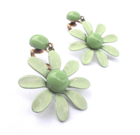 Vintage,Mint,Green,Earrings,Light,Flower,Power,Daisy,Retro,Dangling,Jewelry,vintage_mint_green,mint_green_earrings,light_green_earrings,flower_power_earring,green_daisy_earrings,green_retro_earrings,green_daisy_dangling,dangling_earrings,etsy_vintage_mint,villa_collezione,green_flower_power,green_dangling