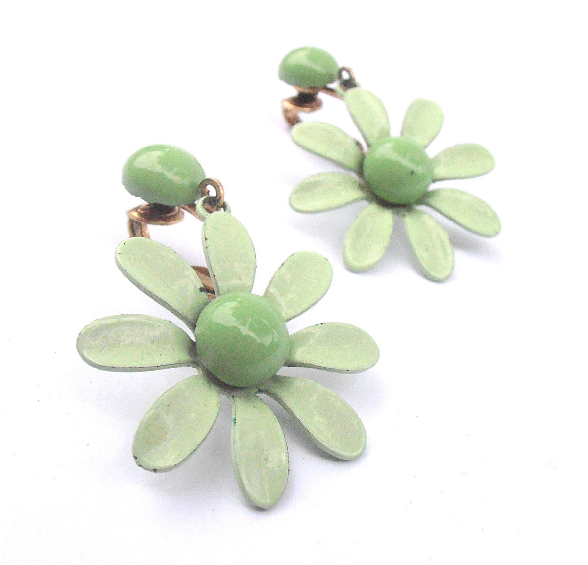 Vintage Mint Green Earrings Light Green Earrings Flower Power Earrings Daisy Earrings Green Retro Earrings Green Daisy Dangling Earrings - product images  of