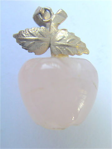 Vintage,Rose,Quartz,Pendant,Apple,Pink,Pale,Pendan,vintage rose quartz pendant, vintage apple pendant, vintage pink quartz pendant, vintage apple rose quartz pendant, pink quartz apple, apple pink quartz, pale pink apple, villacollezione, kawaii apple jewelry, apple necklace, pale pink gemstone