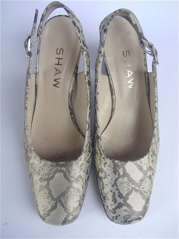 Vintage,Gold,Metallic,Shoes,Leather,Slingbacks,Retro,Faux,Snakeskin,Ladies,Italian,Womens,Shoe,Size,7.5,vintage gold metallic high heel shoes, chunky wood stack heels, gold retro shoes, faux snakeskin ladies shoes, gold womens shoes, gold silver animal print shoes, gold high heel slingbacks, vintage womens shoe size 7.5, vintage ladies shoe size 38