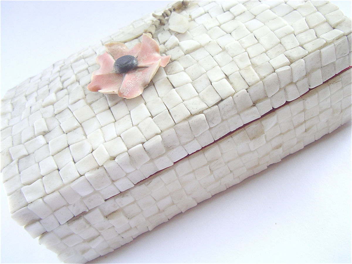 Vintage Shell Box Seashell Box Mother of Pearl Box Peach Coral Box Flower Seashell Jewelry Box Vintage 70s Shell Case Seashell Trinket Box - product images  of