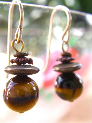 Vintage,Tigers,Eye,Honey,Gold,Earrings,Golden,Ball,Stone,Dangling,Bead,Dangle,Brown,African,Round,Smooth,Villacollezione,Villa,Collezione,vintage honey gold tigers eye ball earrings, vintage yellow brown genuine tigers eye dangling earrings, single bead earrings, vintage african tigers eye earrings, vintage golden tigers eye bead dangle earrings, vintage brown tigers eye bead earrings