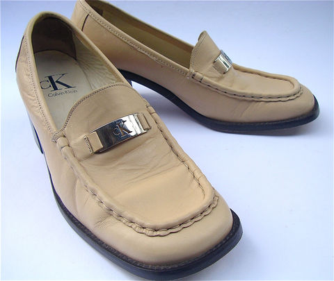 Vintage,Calvin,Klein,Beige,Ladies,Shoes,Vanilla,Designer,Retro,Shoe,Signature,Chunky,Heels,Size,8,vintage vanilla ladies pumps, calvin klein ladies tan shoes, vintage stack wood heels, ck beige high heel loafers, vintage designer shoes, silver buckle ck logo ladies shoes, italian leather womens shoes, ladies shoe size 8, chunky retro womens shoes