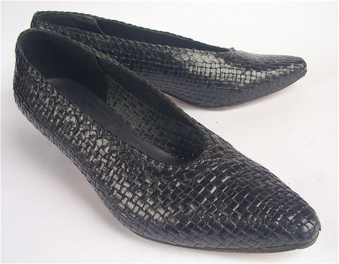 Vintage,Black,Woven,Shoes,Flat,Weave,Leather,Pumps,Italian,Shoe,Low,Heel,Womens,Ladies,Size,8,vintage black woven leather pumps, low heel black weave leather pump shoes, black woven leather ladies shoes, Francesca Mori, black italian womens shoes, ladies shoe size 8, ladies shoes size 38, flat woven leather shoes, villacollezione, villa collezione