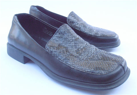 Vintage,Snakeskin,Loafers,Black,Leather,Italian,Ladies,Shoes,Caparrini,Flats,Shoe,Size,7.5,vintage snakeskin black loafers, italian black leather loafer, black italian leather ladies shoes, caparrini italian black flats size eu 38, ladies shoe size 75, women shoes size eu 38, italian ladies flats, vintage snakeskin black snakeskin ladies shoes