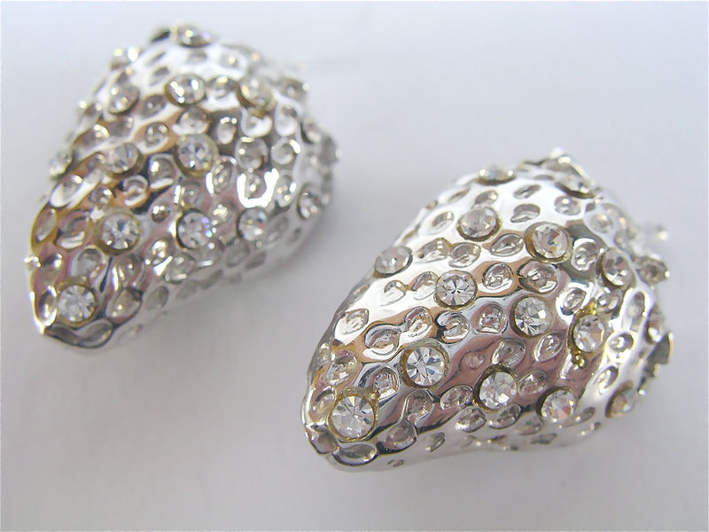 Vintage Strawberry Rhinestone Earrings Silver Tone Studded Textured Clip On Textured Bling Glam Fab Embellished Fruit Berry Villacollezione  - product images  of