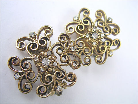 Vintage,Yosca,Filigree,Gold,Tone,Earrings,Lace,Like,Clip,on,Gerard,Designer,Ons,Costume,Jewelry,Villacollezione,vintage art deco crystal dangling earrings, vintage gerard yosca byzantine gold tone clip on earrings, vintage art nouveau square gold tone earrings, vintage gold tone yosca filigree earrings, vintage yosca gold tone filigree earring, gold lattice earring